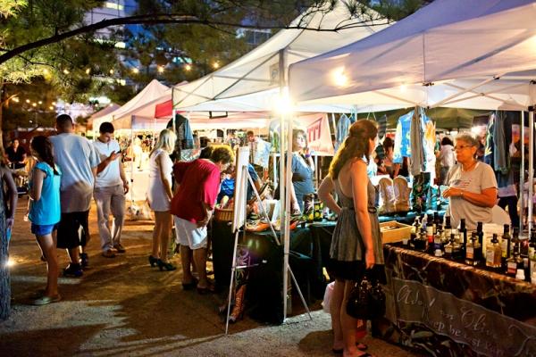 Pet Friendly Flea Market At Discovery Green Houston